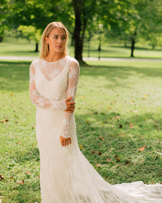 Olia-Zavozina_Wedding_Dress-lace-and-boho-and-overlay